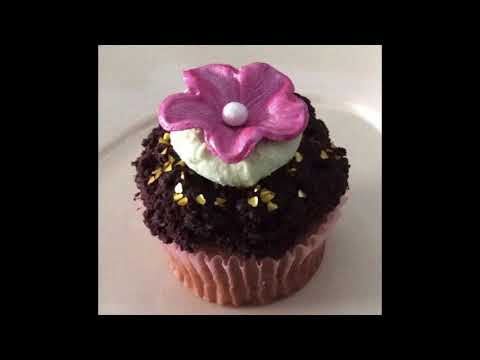 wedding-cakes,-cupcakes-and-groom's-cakes-(1)