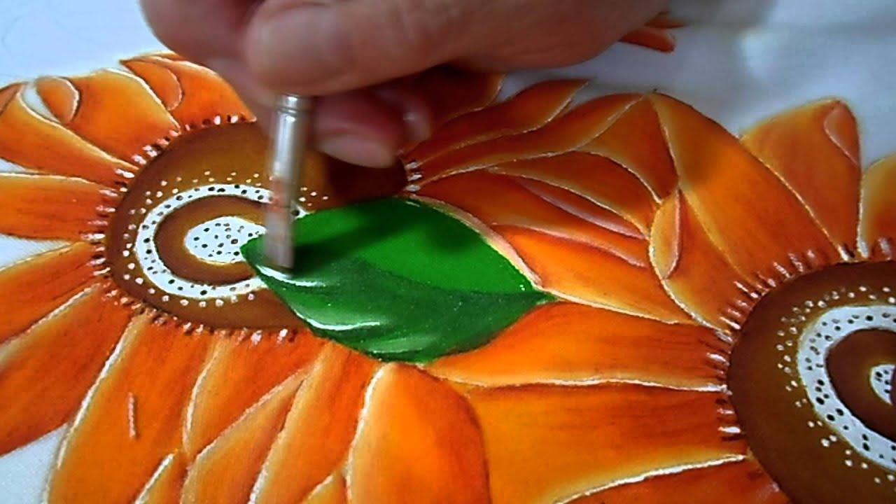 Mantel de girasoles con pintura textil hojas y tallos - Como pintar telas a mano ...