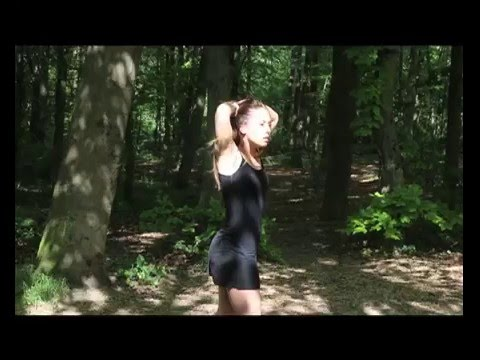 Camille impro into the wood. Musique : Jun Miyake ...