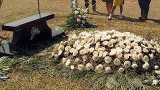 Los cambios de la tumba de Selena Quintanilla a través del tiempo