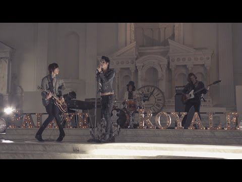 PALAYE ROYALE - Dont Feel Quite Right (Official Music Video)