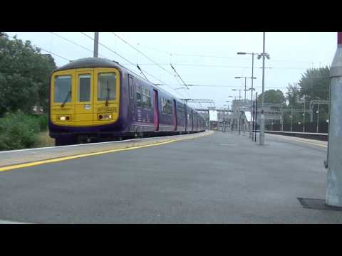 First Capital Connect 319425 departing West Hampstead Thameslink