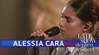 Alessia Cara Performs 'Growing Pains'