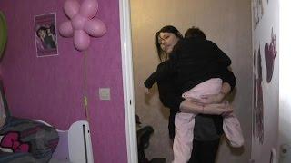 Journée des maladies rares: une maman appelle aux dons pour sa fille de 8 ans