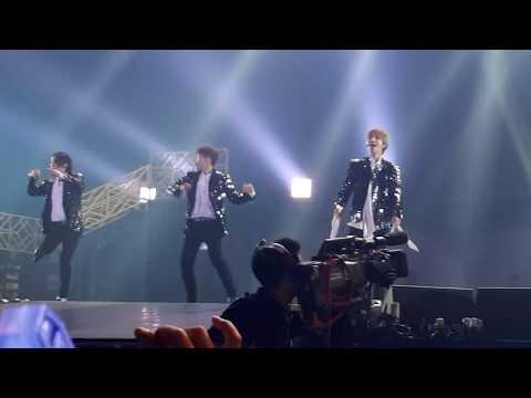 Mamacita (new version) and Ryeowook Intro - Supershow 7 Encore in BKK