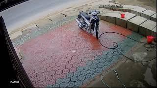 Tai nạn giao thông do ô tô sang đường không quan sát