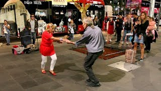 Old Couple Crazy Salsa Dancing In Mexico City | Salsa Street Performance In Mexico City CDMX