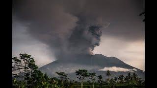 Срочные новости про Извержение Вулкана Агунг на Бали! На острове остался один Русский