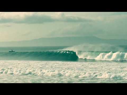 Surfing adventures - Ylia Callan