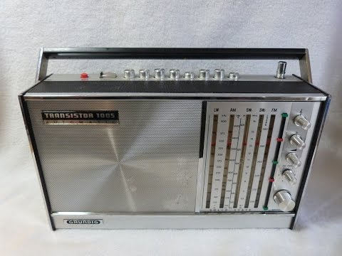 1970 Grundig Transistor 1005 AM/FM/SW radio (made in Germany)