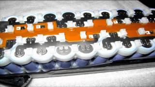 Bosch E-Bike-Pedelec Accu und Ladegerät Innenansicht zerlegt - Inside Bosch Accu