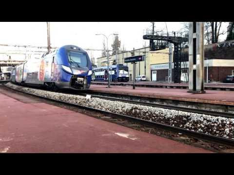 Gare de Versailles Chantiers Compilation de TGV, TER, INTERCITÉS et FRET / Trains Compilat