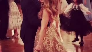 Александр Жулин танцует с дочерью Сашей на балу Татлер