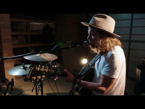 Shaun Kirk - Howlin' at the Moon (Live) Mp3