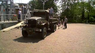 1945 GMC army truck + ex Navy boats