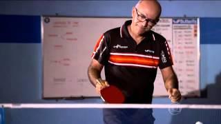 Jogador amador encara um atleta profissional do Tênis de Mesa