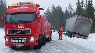 Heavy Recovery Volvo FH16 8x4 vs DAF Semitrailer - Sweden