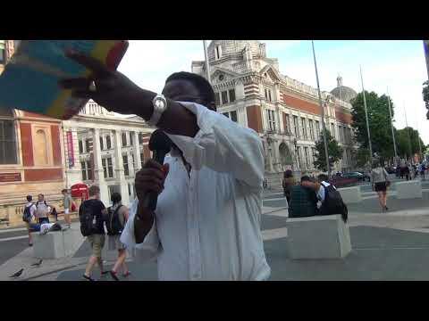 Evangelism near the Science Meseum, London SW7, Andy Lumeh Evnagelist