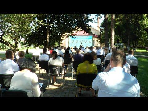 В Ужгороді провели «відкриту управлінську студію» з освітніх питань