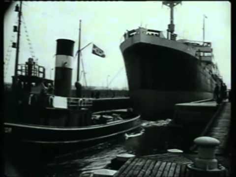 Stoomschip de salawati tijdens de proefvaart in 1931 aangedreven door Heemaf dynamo's.