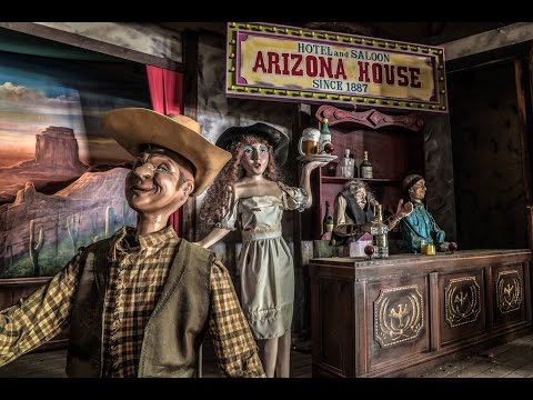 ABANDONED Wild West Theme Park In Japan (FREAKY PUPPETS)