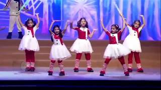 Aaradhya Bachchan's Dance Video At Her School's Annual Day Function thumbnail