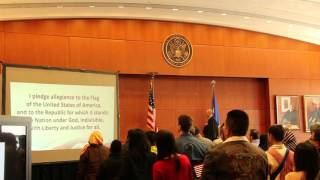USA Citizenship Ceremony 2016, Pledge of allegiance to the flag of the USA. Oath