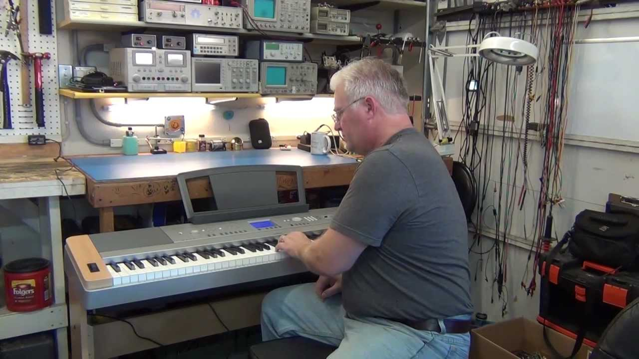 Piano Digital Yamaha DGX 620 - YouTube