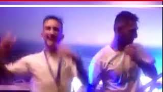 Jonathan Orozco y Brian Lozano celebran con baile el título de los Guerreros
