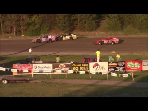 May 26, 2016 Grand Rapids Speedway WISSOTA MWM Feature Focus on #17