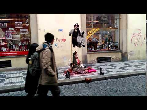 Секрет левитации или человек сидящий в воздухе( Чехия )