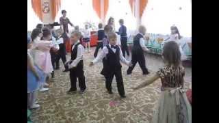 Танец 'Я от тебя убегу, убегу' (старшая группа ГУО 'Ясли-сад №3 г.п.Лоева')