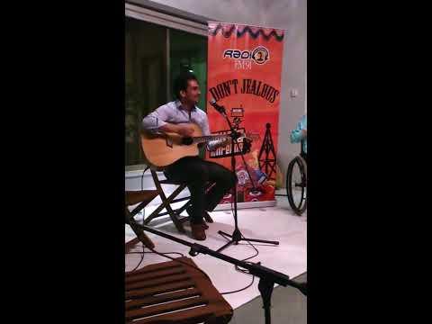 Kaali Kaali Zulfon (acoustic cover)