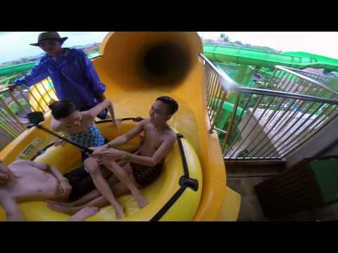 Waterbom Bali BEST WATERPARK IN ASIA - Pythoon & Boomerang