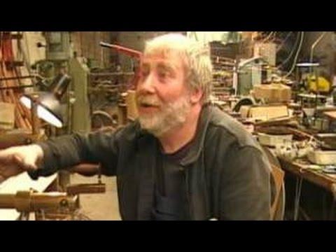 atelier allibert aulnay sous bois fabrication de carcasses d 39 abat jour youtube. Black Bedroom Furniture Sets. Home Design Ideas