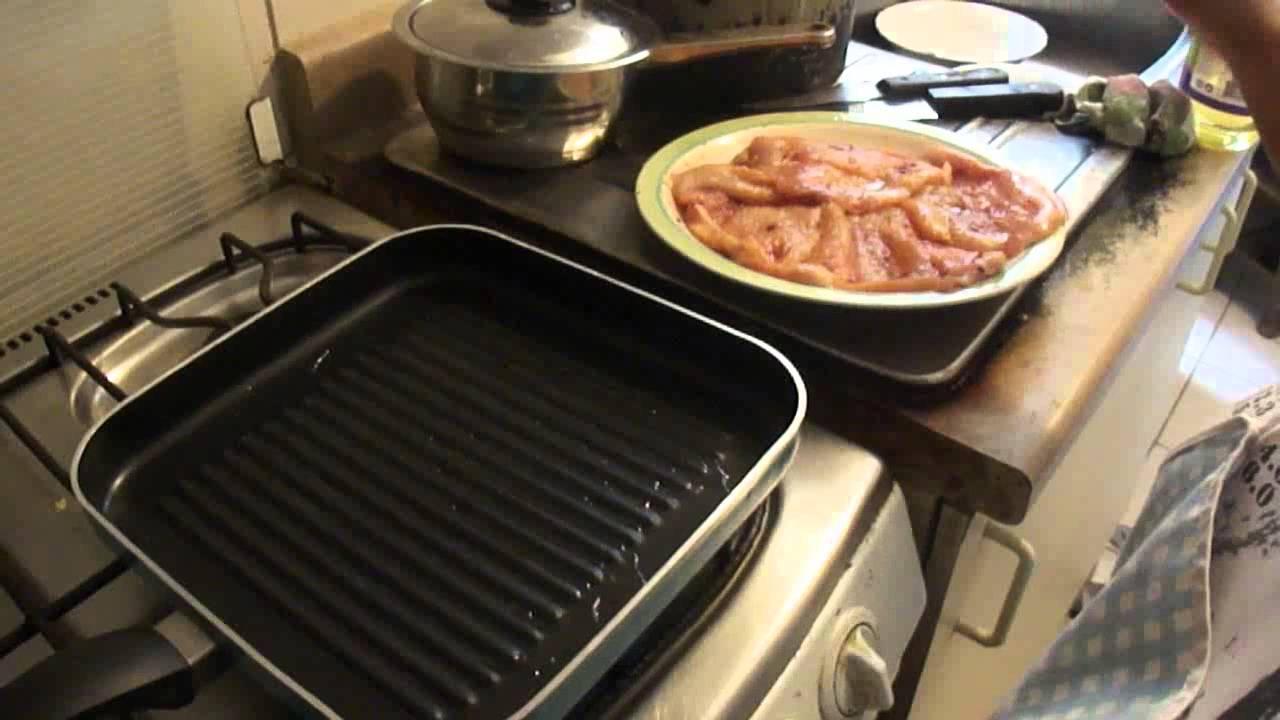 Como hacer pollo a la plancha youtube for Como cocinar salmon plancha