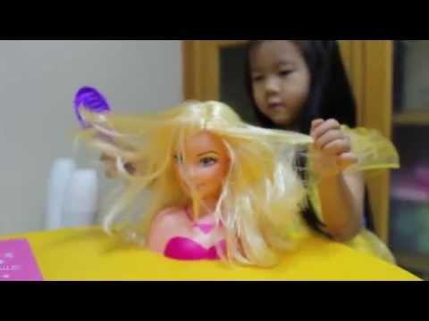 เด็กจิ๋วแนะนำของเล่น ตุ๊กตาทำผมบาร์บี้ [N'Prim]