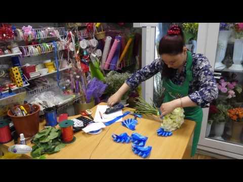 Свадебный букет белые розы голубая лента / Как Собрать СВАДЕБНЫЙ БУКЕТ из Роз / Студия Флористики