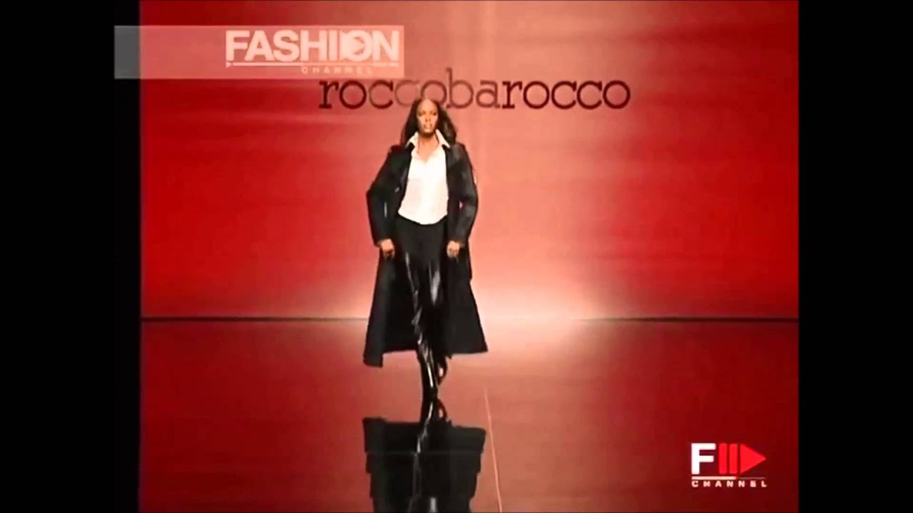 Naomi Campbell S Top 10 Iconic Runway Show Openings Youtube