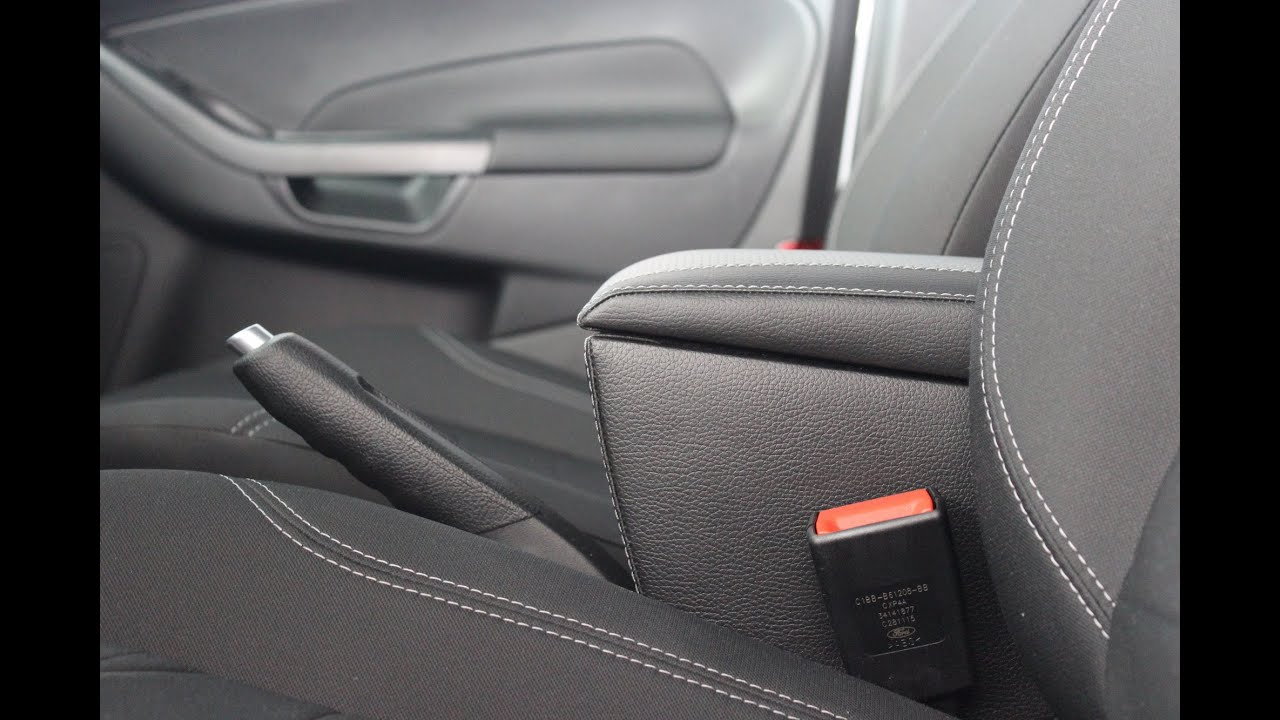 2015 Форд Фокус ст: больше, веселее Фиеста зажигания ЕР. 131