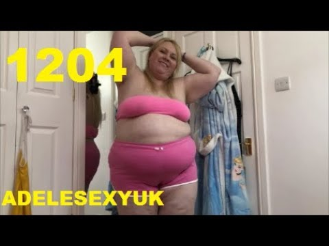ADELESEXYUK TRYING ON HER NEW PINK SHORTS FROM PRIMARK