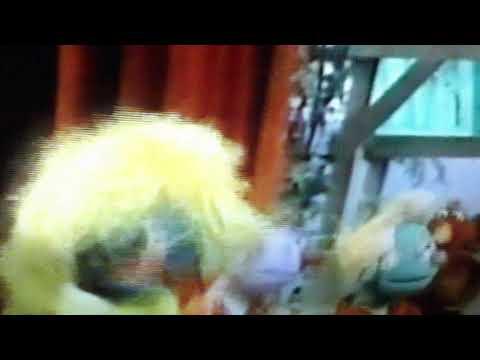 Classic Sesame Street: Cluck Around The Clock