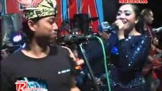 Download Video Goyang Dumang Deviana Safara - New Abellia Live Kedamean Kendang Cak Met Live terbaru 20 MP3 3GP MP4