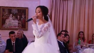 Невеста красиво спела маме на свадьбе 6.11.16