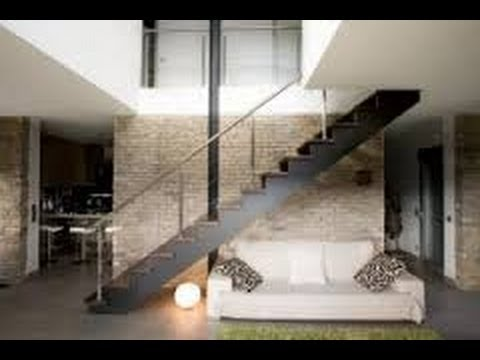 Como decorar una escalera interior youtube for Casas con escaleras en la sala