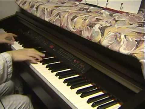 ひとひら Hitohira performed  piano