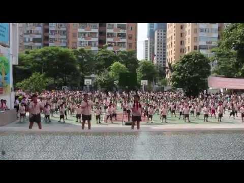 """HanoiStar - Bài tập thể dục giữa giờ với điệu nhảy """"Macarena"""""""