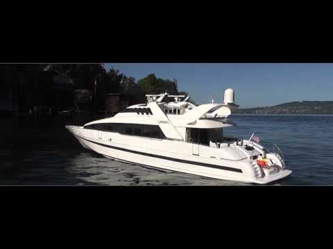 RC Boat - Moonraker on Power - Luxury Yacht