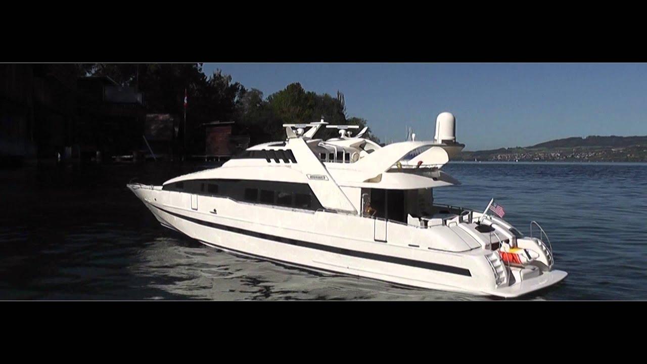 RC Boat Moonraker On Power Luxury Yacht YouTube
