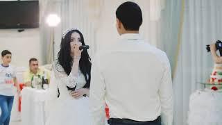 Невеста поёт жениху